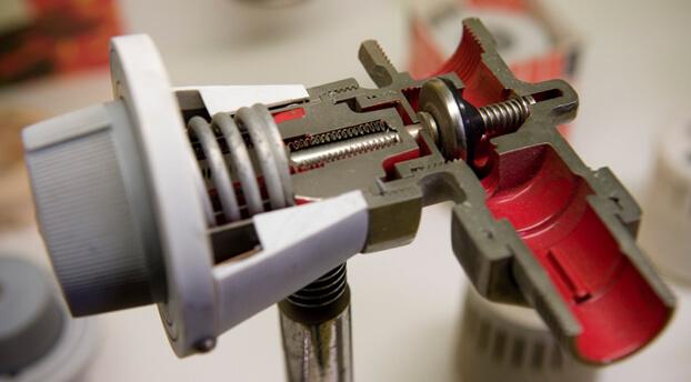Как правильно установить терморегулятор на батарею